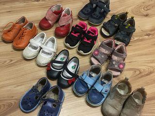 Босоножки, тапочки, кроссовки туфли для мальчика и девочки бу разных размеров в идеальном состоянии