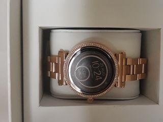 Michael Kors смарт часы