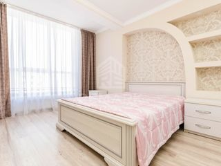 Chirie , Apartament cu 3 camere, Botanica, str. Grenoble,  480 €
