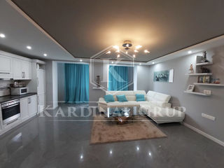 Vânzare apartament 3 camere + living, 85 mp, seria 102, garaj cadou, Strășeni, 50 900 euro!
