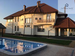 Spre vînzare casă extraordinară situată în Dumbrava