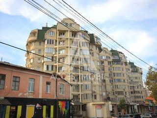 Penthouse în 2 nivele cu Terasa! Centru, str. Petru Rareș, 5 odăi, 178 m2, Euroreparatie!