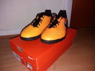 Nike Magista (Noi) vin cu cutia