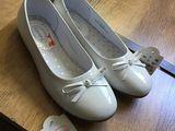 Продам новые детские балеточки 33 размера