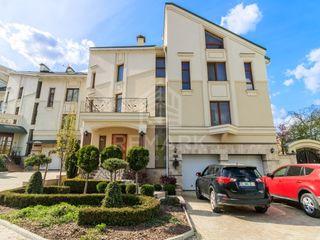 Vânzare TownHouse Botanica Valea Crucii 570 mp 389900 €