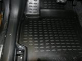 Toyota Corolla. Полиуретановые коврики для салона и багажника. Novline- Element.