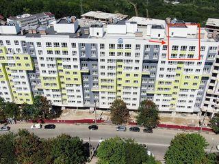 Penthouse ( 100 m2 )  2 camere + living + terasă spațioasă ( 45 m2 )