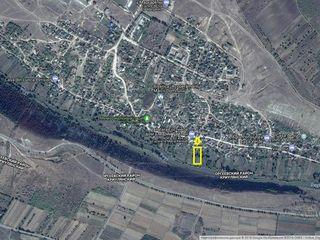 Orheiul vechi teren 15 ari linga riu !