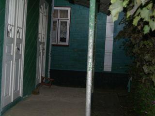 продается в с Братушаны. отличный дом.с огородом 21 сотка.имеет 3 комнаты.зал.спальня и детская