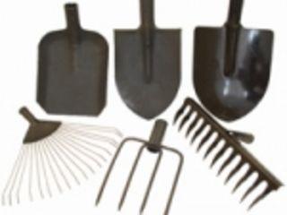 Articole p/u gradina(lopeţi, greble, hîrleţ, furci). лопаты совковые, лопаты штыковые, вилы, грабли