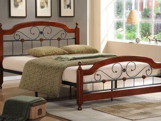 Новые поступления  кроватей, комодов и прикроватных тумбочек в стиле «кантри».