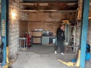 Dau in chirie garaj pentru autoservis cu utilaj