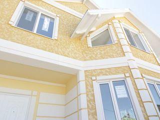 В пригороде с.Ставчен в коттеджном поселении расположен двух этажный дом!!!