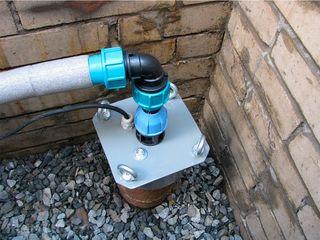 водоснабжение в частных домах, монтаж скважинных насосов