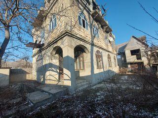 Casa cu anexa in Loganesti