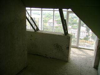 Продается большая квартира в Цетре Тирасполя в спальном районе!