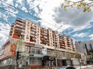 Apartament spațios în sector cu infrastructură dezvoltată, pe str. A.Puskin, Centru