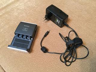 Зарядное устройство Sony BCG-34HUE (тип AA/AAA)