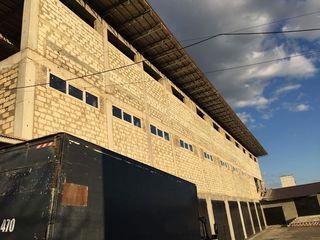 Ofer spatii in chirie sub depozit, de la 100 la 2000 m2, in Buiucani, teren ingradit, paza