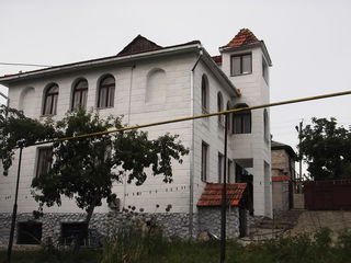 Продам 2-ух этажный дом-дача с мансардой 160кв.м. на 7 соток земли, в Думбрава