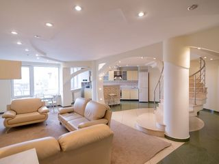 Centru, Petru Rares! Bloc nou, penthouse de clasa lux cu 2 nivele, 200 m2, 6 camere. 179 000 €