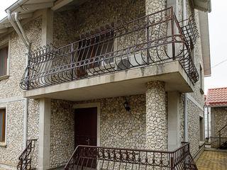 Casa cu 2 nivele 150m2 in Ialoveni!!