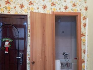Vând apartament cu o camera în Centru-Balti. Sau schimb pe 2camere plus diferența, la Bam-Balti.