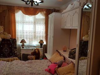 Vindem casa mobilata cu tot necesarul pentru un trai decent