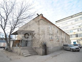 Oficiu, clădire în 2 nivele, Botanica, 900 € !
