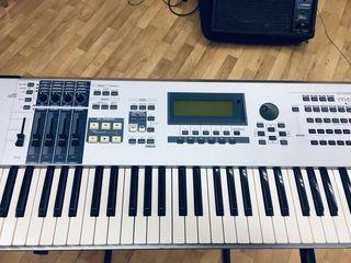 Yamaha Motif es7+fly case+stativ