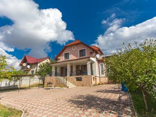 Chirie casă, Ghidighici, 3 camere + living, 700 euro!