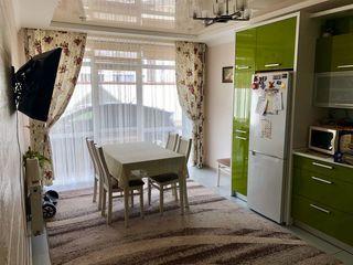 Se vinde casă cu 3 nivele! Euroreparație! Condiții extrem de bune! Durlești, str. Păcii!