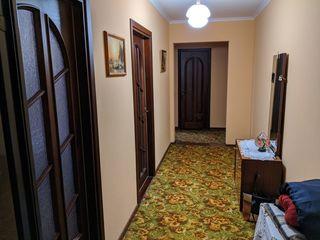 Apartament 3 camere, mobilat, or. Strășeni