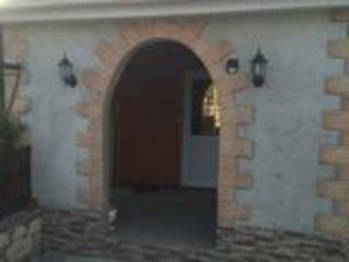 Продается удобный дом с ремонтом и мебелью.