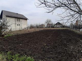 Proprietar. Vând teren pentru construcții 9,4 ari în com.Cruzești, mun Chișinău.