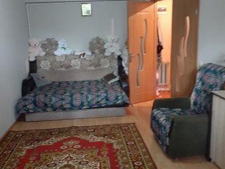 Продам двухкомнатную квартиру на втором этаже