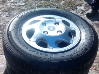 Vind 4 anvelope in stare ideala 205/70R14