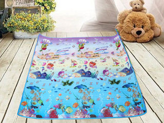 Детский развивающийся  коврик на фольгированной основе размер 180х120 см-250 лей.