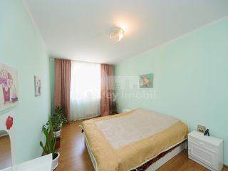 Apartament cu 3 camere, bloc de elită, Decebal, 400 € !