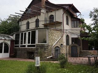 Spre vinzare casa spatioasa, 200 mp, in Stauceni!