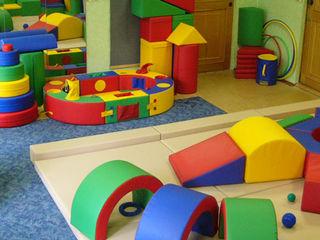 Изготовление на заказ мягкие комнаты с игровыми напольными модулями  мягкие площадки и игровые зоны