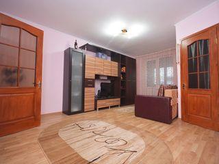 Vând, ap. 2 odăi, 48 m2, de mijloc, autonomă, reparat, mobilat, tehnică de uz casnic