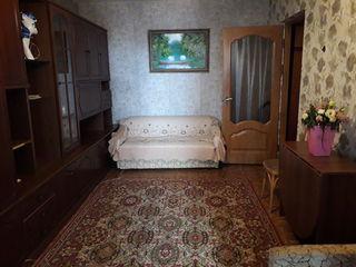 Se oferă spre chirie apartament cu 2 camere, bd. Mircea cel Bătrîn, 200 euro!