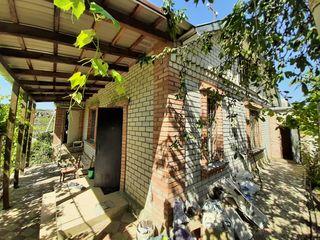 Casă în Dumbrava. 70 m2. Teren 7,05 Ari. Grădină amenajată.