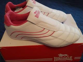 Новые кроссовки , новые туфли