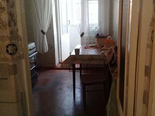 Vind apartament cu 3 camere R.Anenii Noi,S Merenii Noi
