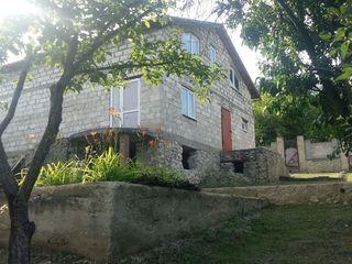 Se vinde casă-vilă într-o zona liniștită 5km de la Chișinău I. P.,, LOTSIND,,