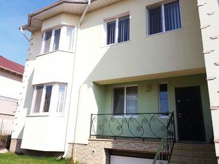 Casa cu 2 nivele, 150 m2 in sector de elita dupa UTM- Riscani