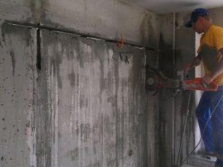 Демонтаж стен перегородок демонтаж сантехкабин Вырезаем проемы арки демонтаж бетонной стяжки