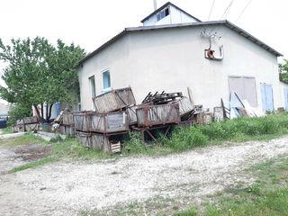 Clădire de producere (fostă brutărie şi oloiniţă) s. Răzeni, r-nul Ialoveni